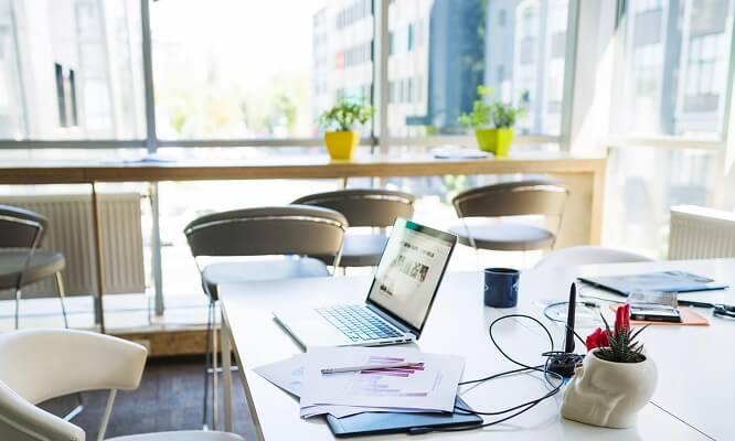 Biuro – przyjazna przestrzeń do pracy