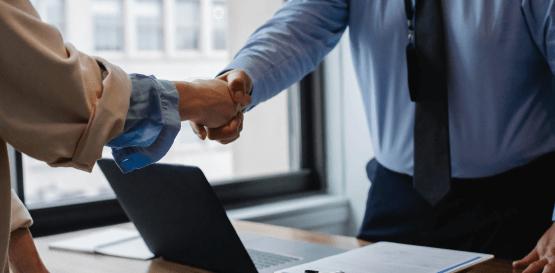 Zwolnienie pracownika krok po kroku – zasady postępowania podczas redukcji etatu